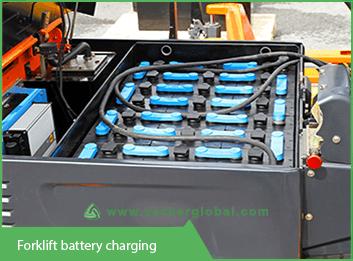 forklift-battery-charging-vackerglobal